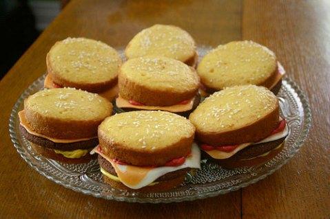 20080919-cheeseburgercupcakes